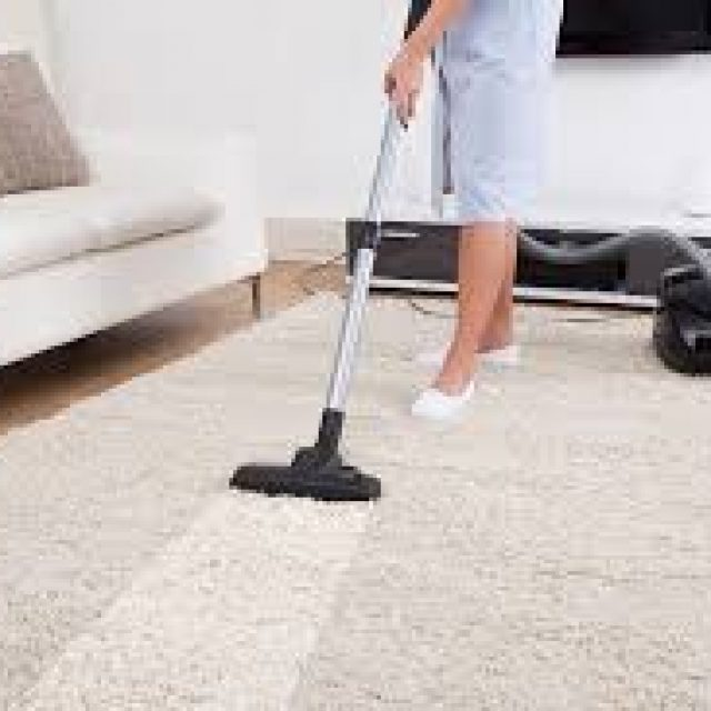 Cleaning experts instanly clean your carpets from stain and dust